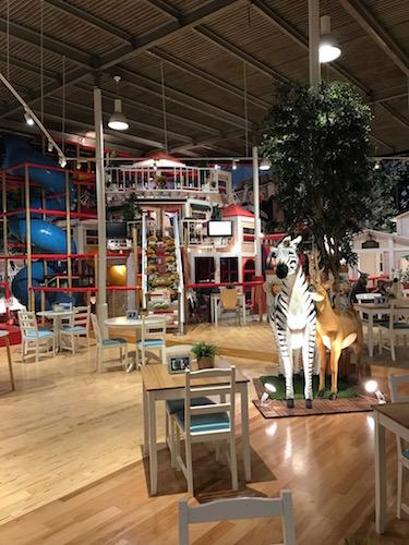 Picnic Cafe WANGAN-ZooAdventure