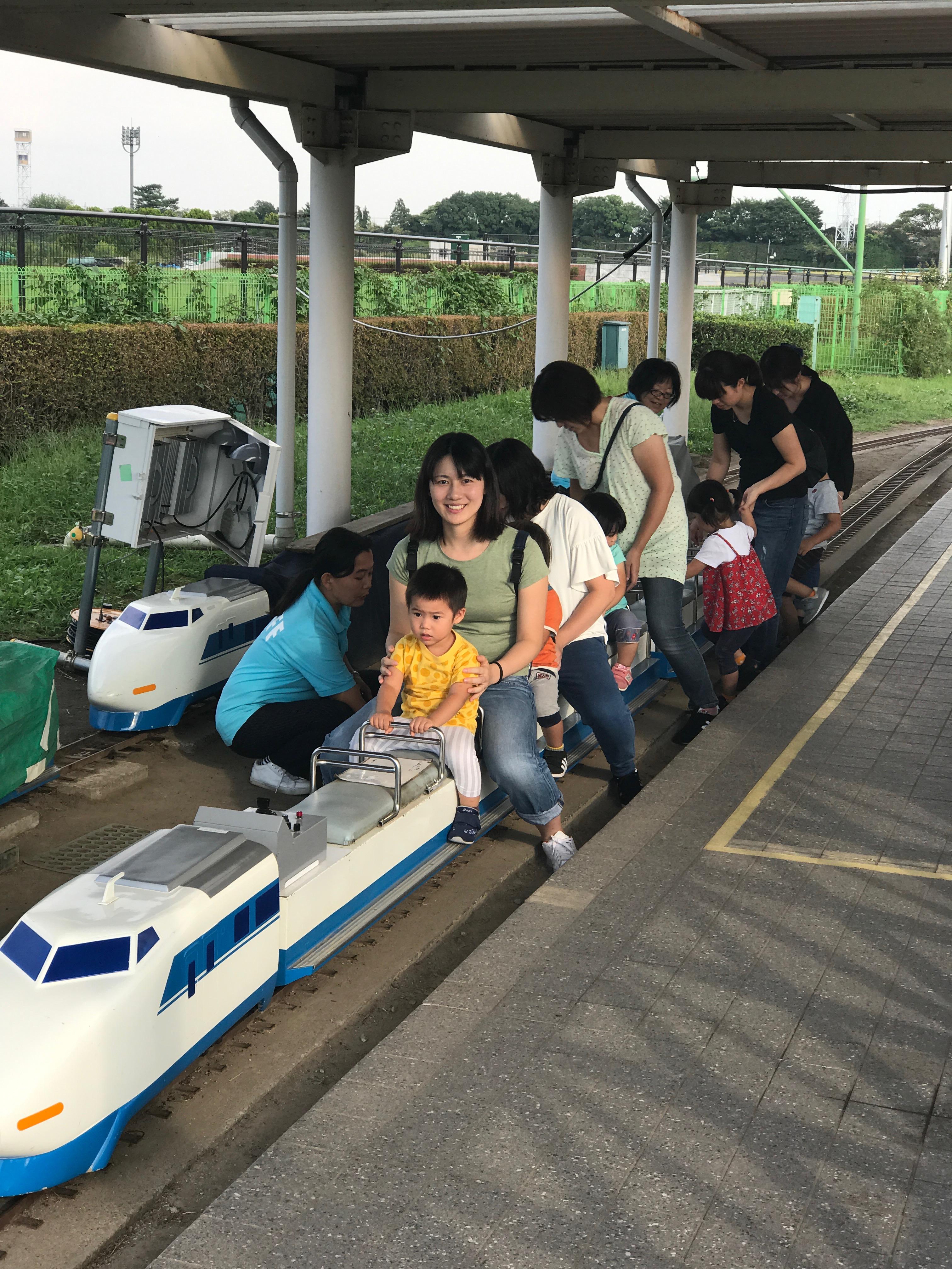 東京競馬場でミニ新幹線乗車